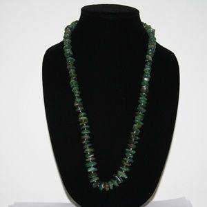 "Beautiful vintage jade colored necklace 24"""